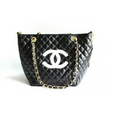 Chanel Precision Beaute VIP Gift quilted Makeup Shoulder bag